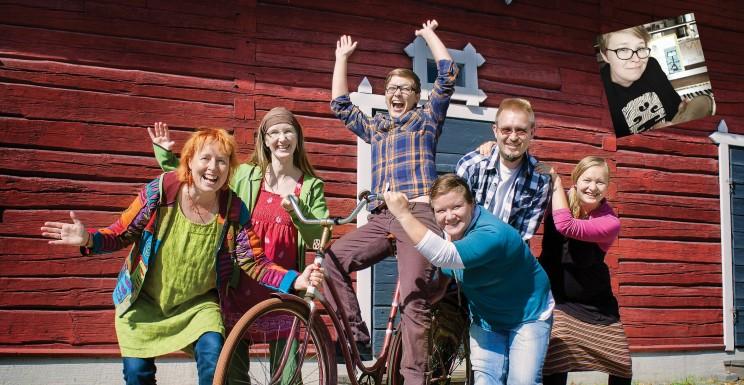 Pippuri soikoon 2 - levyn sisäkannen ryhmäkuva 2013